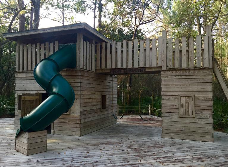 Treehouse style jungle gym