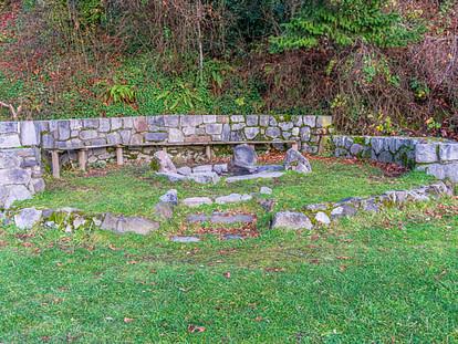 stone wall firepit